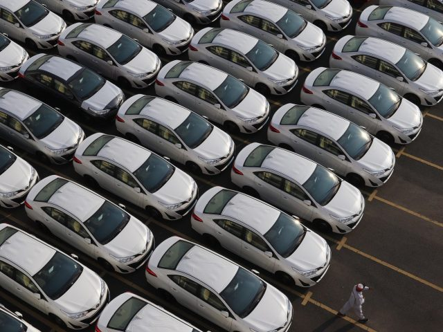 Covid-19 Buat Penjualan Mobil Terjun Bebas