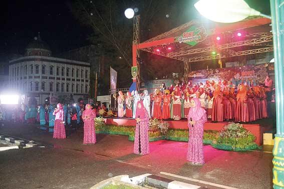 Bupati Puji Parade Rebana Massal