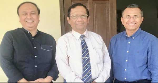 Ketemu Dahlan, Mahfud MD Kutuk Orang Biadab Peretas Akun Twitter