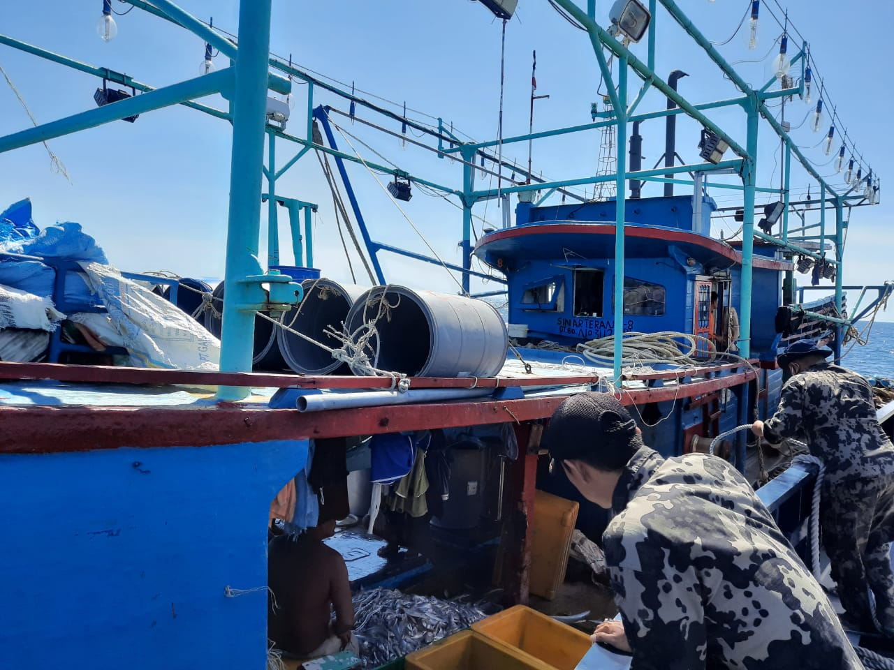 Ilegal Fishing di Perairan Rohil, 7 Kapal asal Sumut Ditangkap