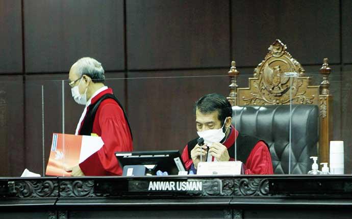 Parpol di Parlemen Bebas dari Verifikasi Faktual