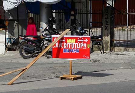 Tutup Jalan untuk Pesta Seizin Polisi dan Dishub
