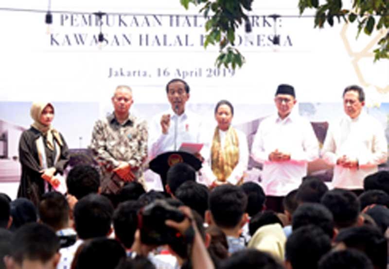 Terbaik di Dunia Wisata Halal Indonesia