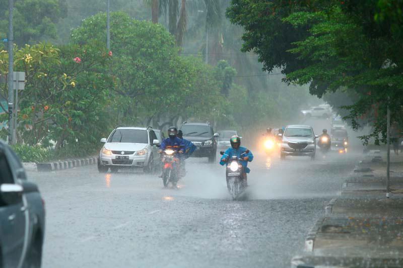 Alhamdulillah, Sore Ini Pekanbaru Diprediksi Hujan