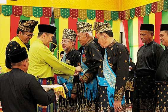 Syamsuar Hadiri Pengukuhan Pengurus LAMR Bengkalis