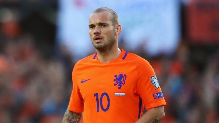 Sneijder Merasa Dirinya Bisa Seperti Ronaldo dan Messi