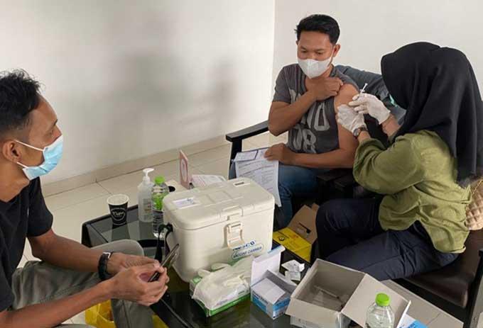 Honda KJU Group Vaksinasi Karyawan dan Masyarakat
