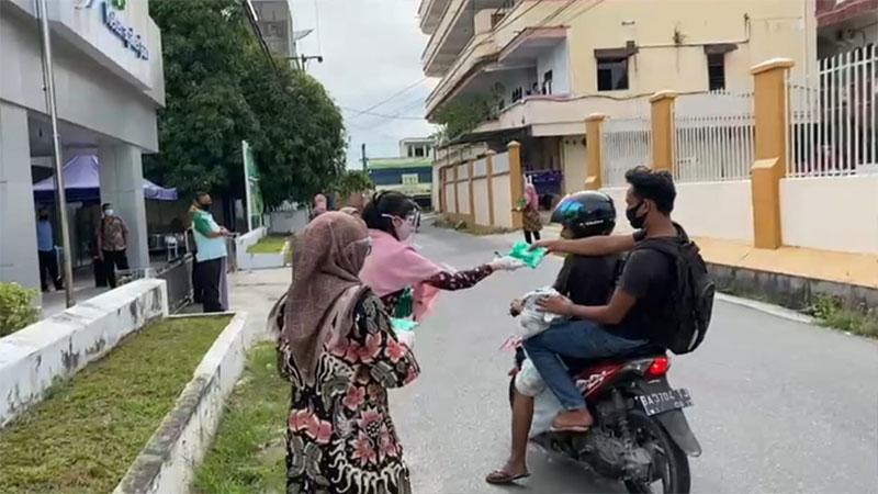 BP Jamsotek Duri Bagikan Masker dan Hand Sanitizer
