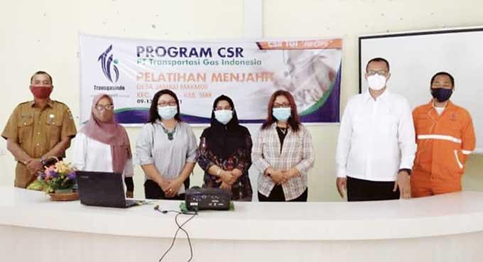 TGI RO3 Latih Pengrajin Lidi Sawit di Siak