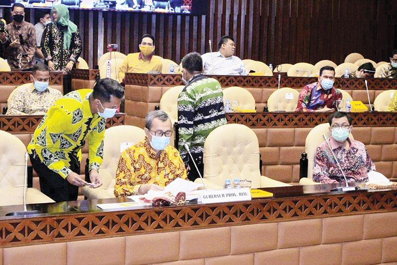 Perjuangkan Infrastruktur Riau, Gubri Sambangi Komisi V DPR RI