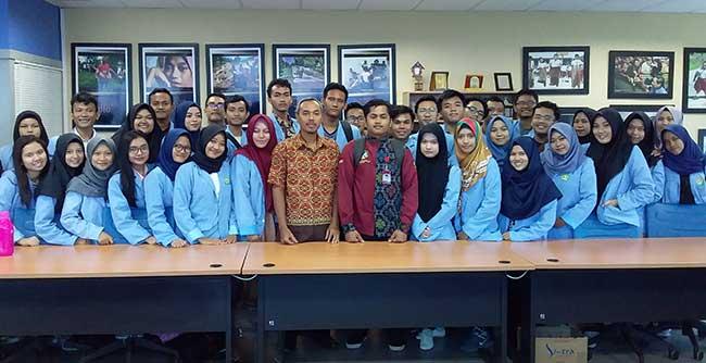 Mahasiswa Dalami Ilmu Jurnalistik di Riau Pos