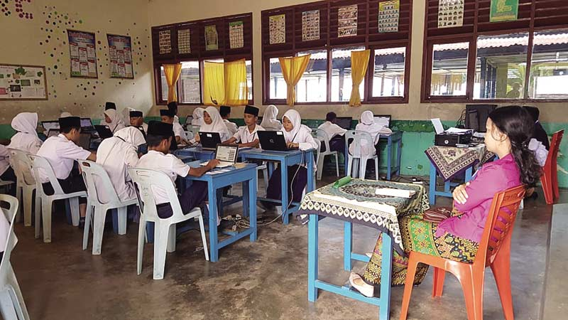 Hanya 21 SMP yang Mampu UNBK Sisanya Menumpan