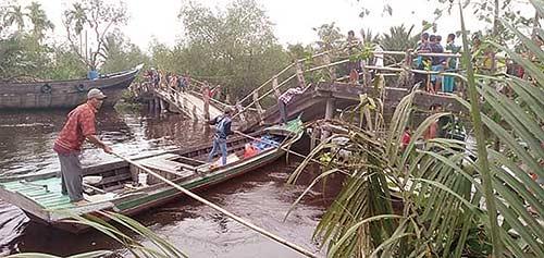 Termakan Usia, Jembatan  di Lahang Patah