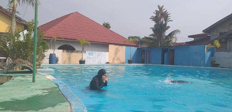 Berenang Bebas Khusus Perempuan