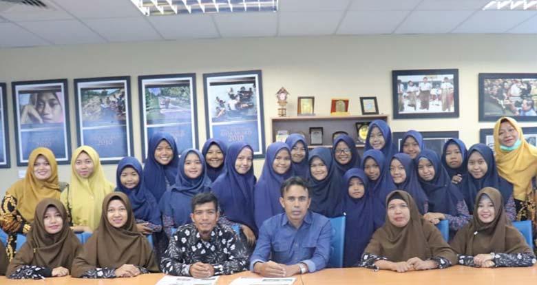 SMPIT Insan Utama Bahas Keredaksian bersama Riau Pos