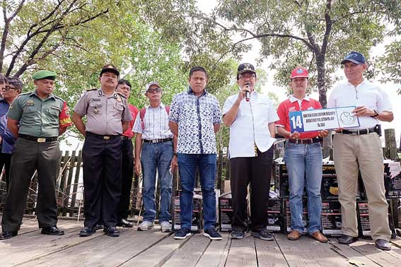 14 Kapal Motor Diserahkan ke Nelayan