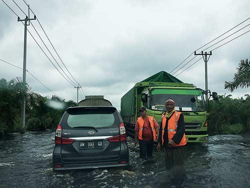 November, Waspada Banjir hingga Longsor