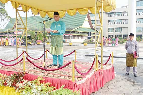 Pemkab Gelar Upacara HUT Ke-61 Riau