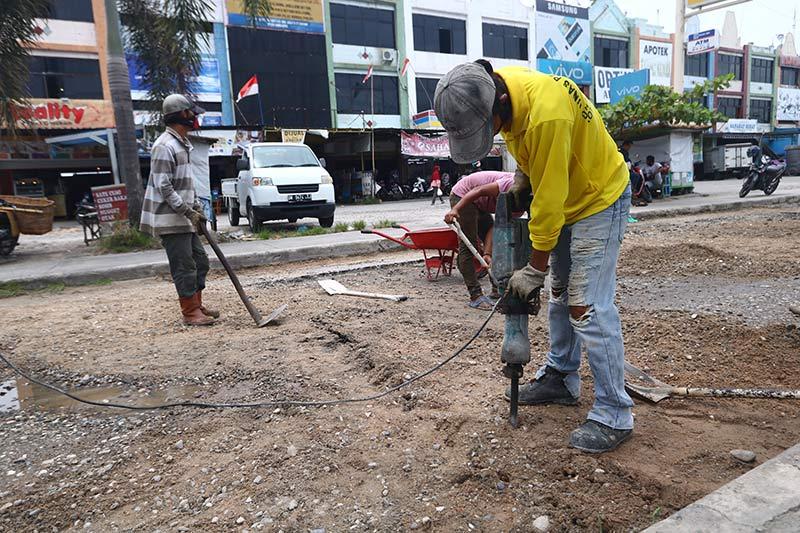 Gesa Perbaikan Jalan Rusak di Pekanbaru