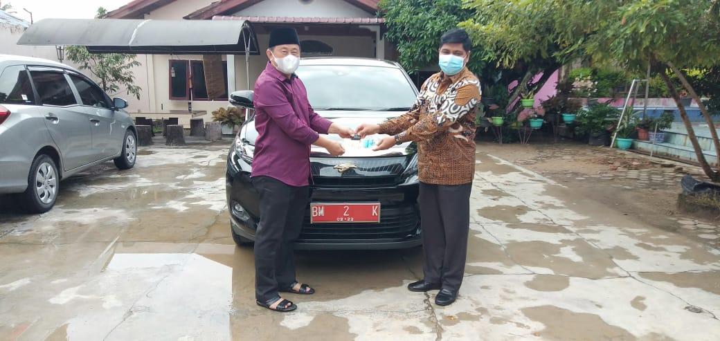H Halim Serahkan Mobil Dinas