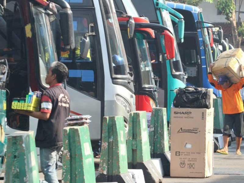 Omset Bisnis Angkutan Turun Tajam