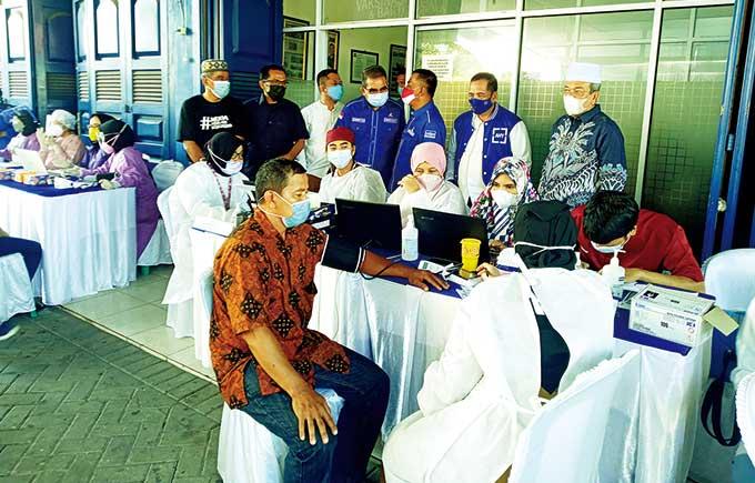 Partai Demokrat Riau Gelar Vaksinasi untuk 1.000 Orang