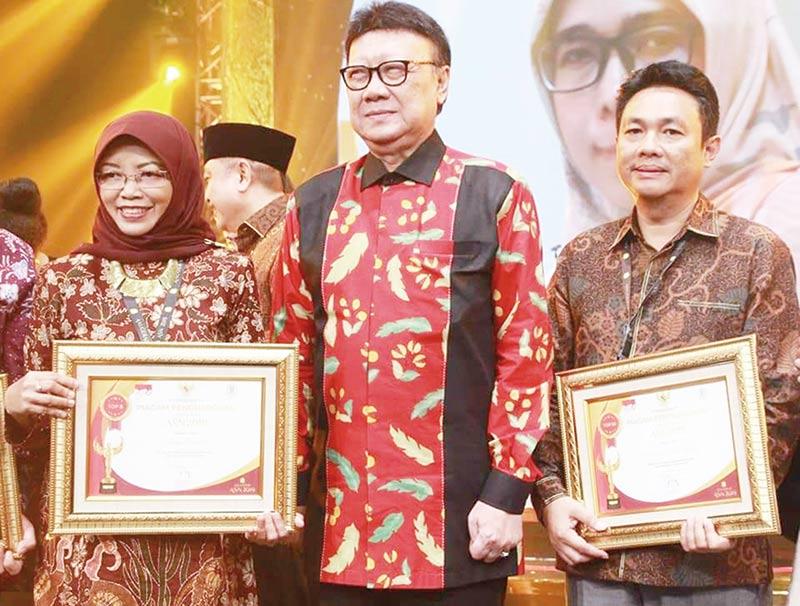 Kadis Kominfo Lima Besar Pejabat Tinggi Teladan Se-Indonesia