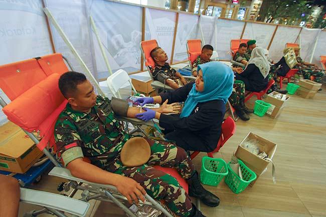 Ultah Ke-52, Yon Arhanud 13/PBY Donor Darah di Living Word