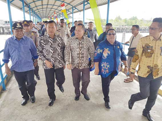 Gubernur Papua Kunjungi Meranti