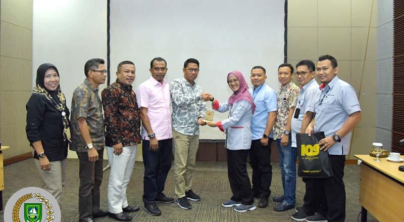 Pansus CSR Studi Banding ke Semen Padang