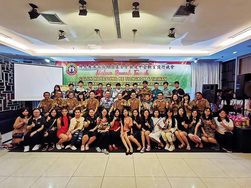YP2MR Lepas 68 Calon Mahasiswa ke Cina dan Taiwa