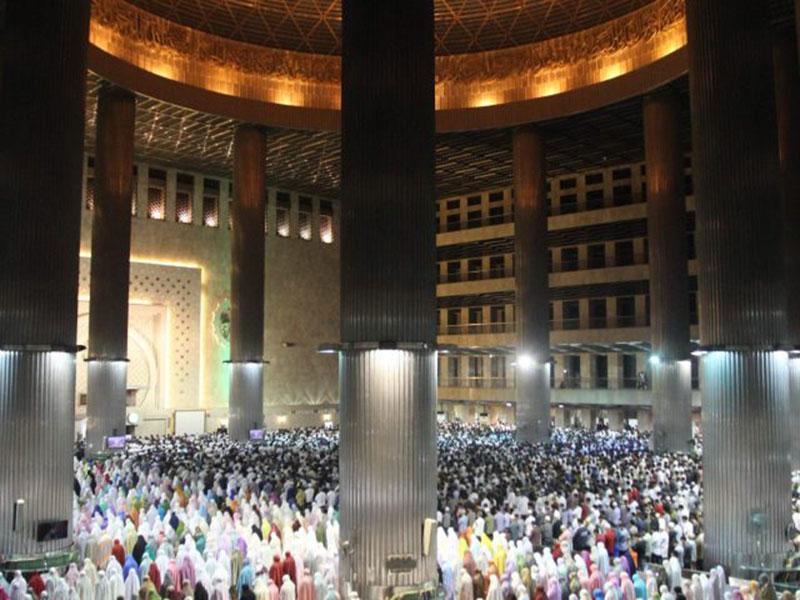 Menag Minta Umat Islam Tarawih di Rumah dan Tak Bukber