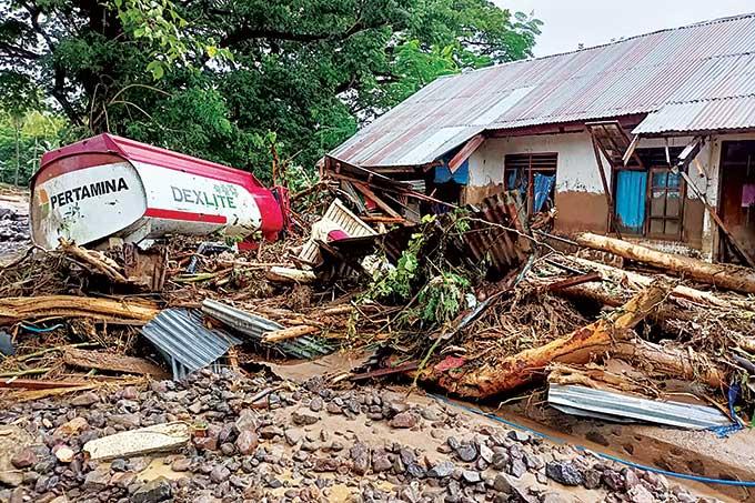 Banjir Bandang Flores Timur, Puluhan Meninggal dan Hilang