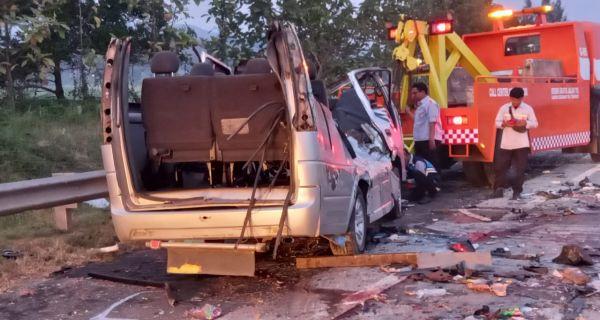 Mengerikan, Kecelakaan di Tol Cipali 10 Orang Tewas