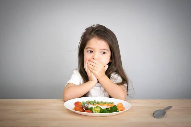 Ini Bun, Cara Ampuh Bujuk Anak Agar Mau Makan Sayur