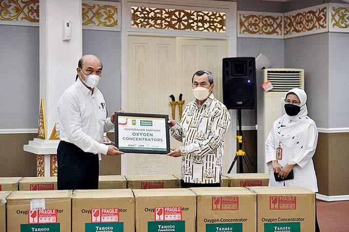 Bantuan 145 Oxygen Concentrator Tanoto Foundation Didistribusikan