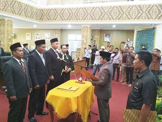 Dilantik PAW Tiga Anggota DPRD Pelalawan