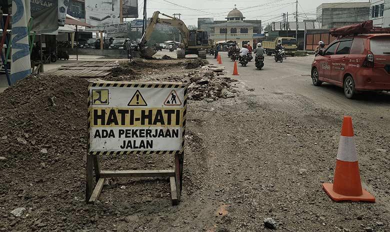 Perbaikan Jalan Hasanudin Rp1,3 Miliar