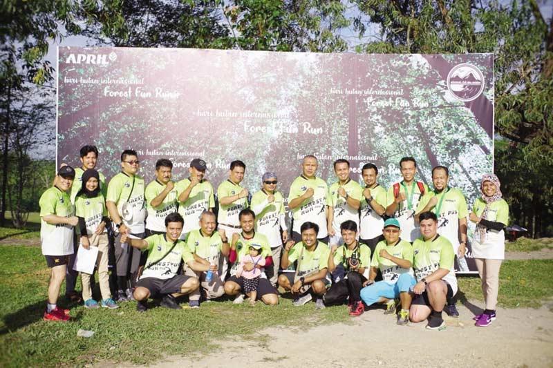Ratusan Warga Pangkalankerinci Ikuti Forest Run