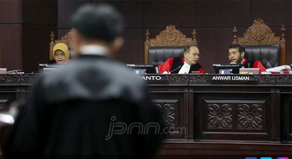 Kubu Prabowo-Sandi: Jika MK Sahkan Kecurangan, Ini yang Akan Terjadi
