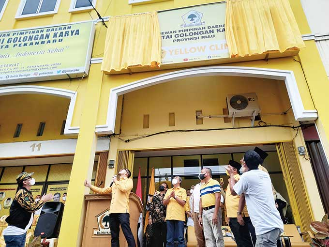 Yellow Clinic di Kantor Golkar Riau, Gratis Layani Kesehatan Warga