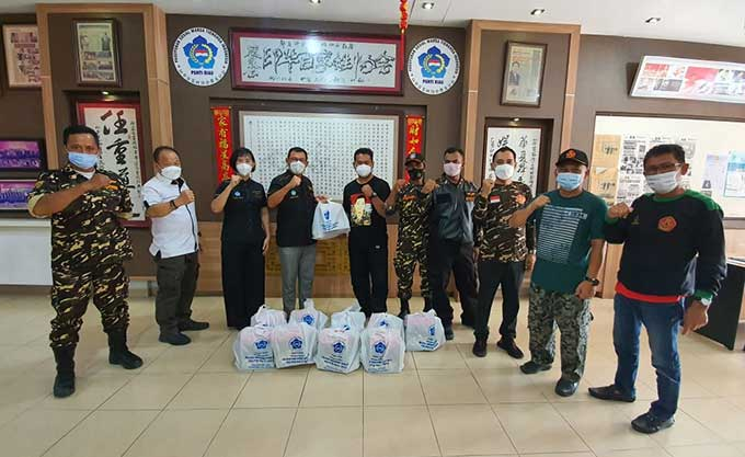 PSMTI Riau Kembali Serahkan 200 Paket Idulfitri