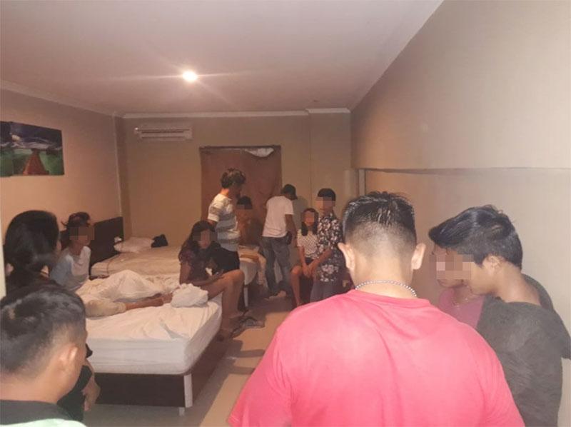 12 Remaja Diringkus saat Pesta Narkoba di Kamar Hotel di Jalan Melur Pekanbaru