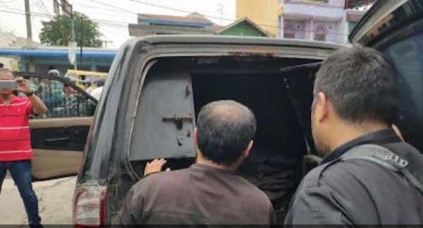 Mobil Vendor Pengisi Mesin ATM Dirampok,Ratusan Juta Dibawa Kabur