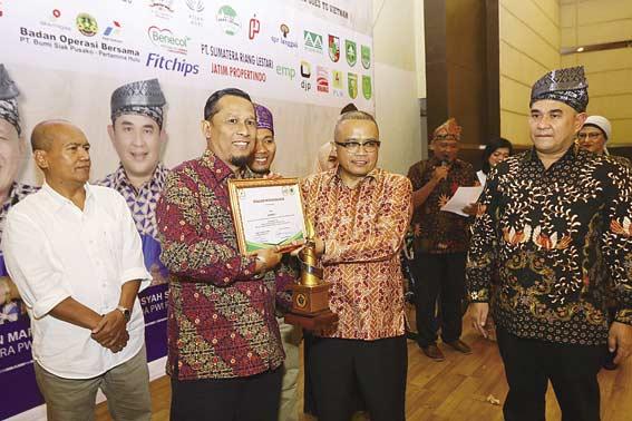 Gubri Didaulat Luncurkan Tiga Program PWI Riau 2019