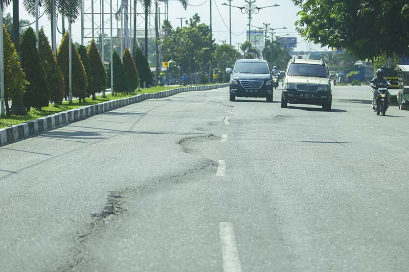 Jalan Bergelombang Bahayakan Pengendara Bermotor