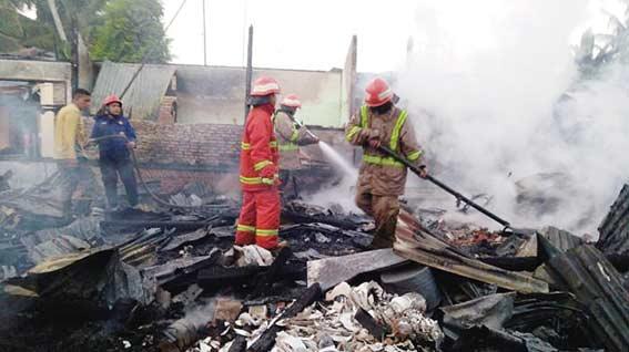 Tiga Unit Rumah Terbakar