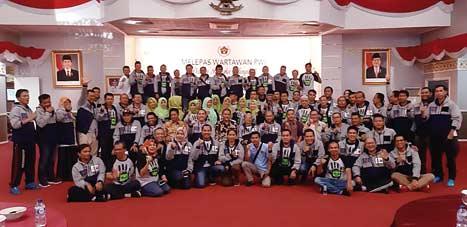 Sekda Lepas 110 Delegasi PWI Riau ke HPN Surabaya