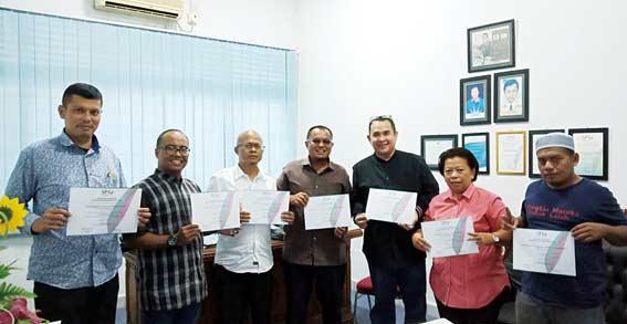 SPS Riau Serahkan Sertifikat 28 Media