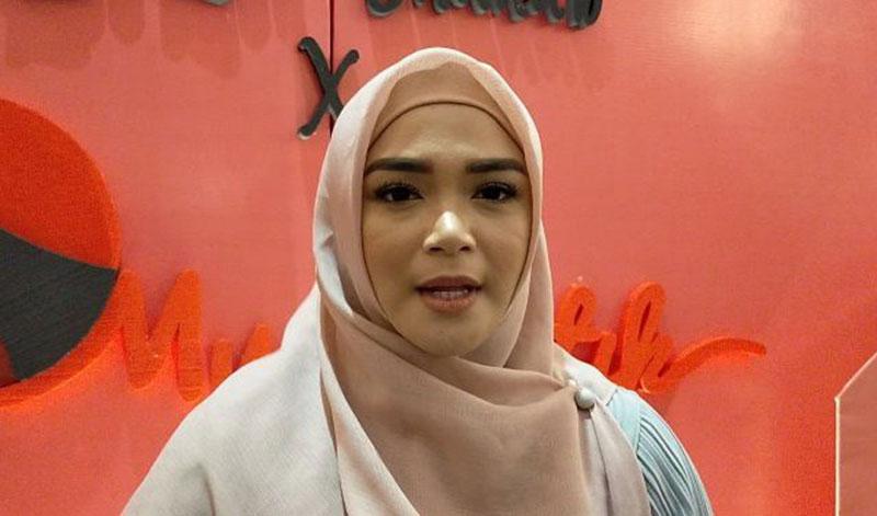 First Travel Menuai Polemik, Sheza Idris Meminta Presiden Turun Tangan